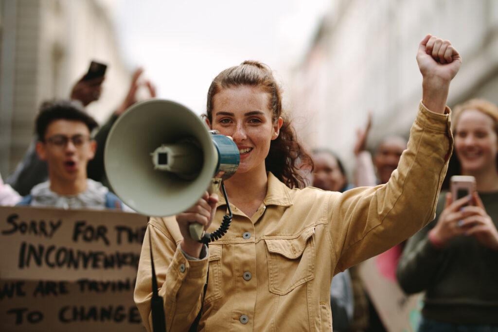 streik, Demo, Demonstration, Tarifverhandlungen Streik, Azubis streiken, Angestellte streiken, Warnstreiks, Streikandrohung, Voraussetzungen für einen rechtmäßigen Streik