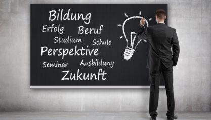 Aufstiegsfortbildung oder Anpassungsfortbildung: Leistungspotenziale von Mitarbeitern fördern und die Wettbewerbsfähigkeit sichern