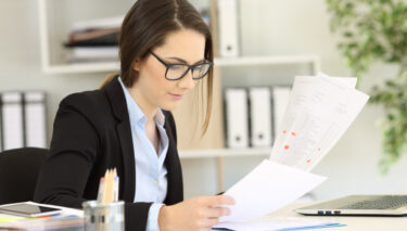 Arbeitszeugnis für Azubis – was Unternehmen beachten sollten