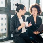Wie ein Praktikumszeugnis wohlwollend und rechtskonform konzipiert wird