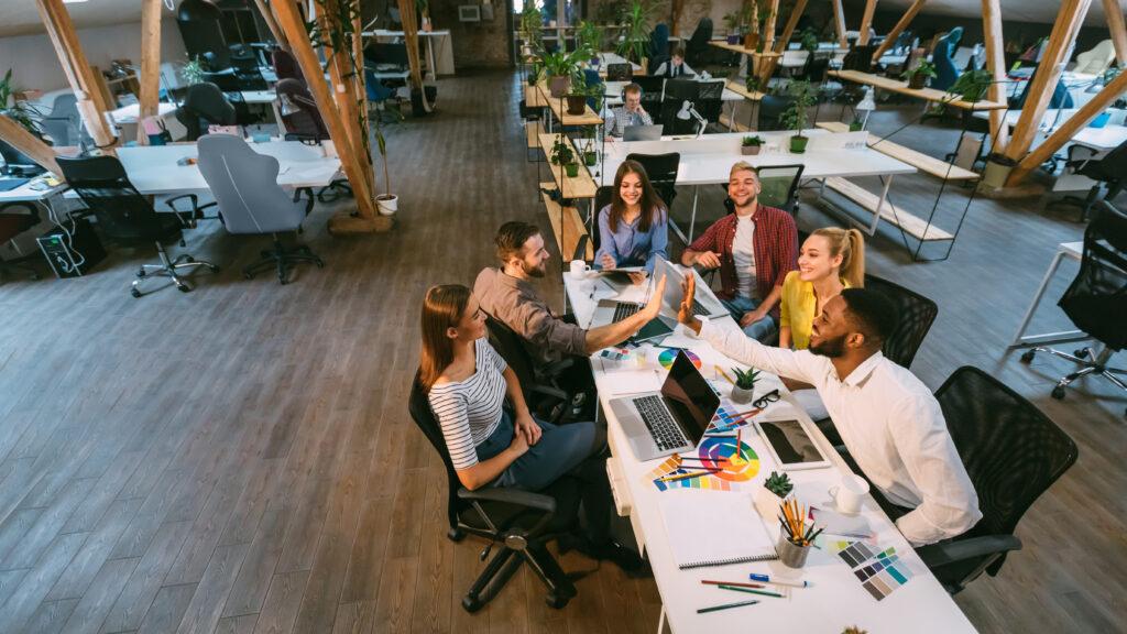 Coworking Spaces, Arbeitsplatz, Vorteile, Büro, Gemeinschaftsbüro, Freiberufler, Selbstständige, Standorte, Meetingraum, Startups