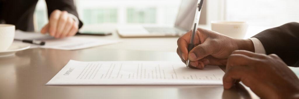 Vertragsrecht, Arbeitsvertrag, rechtsgültige Dokumente, BGB, Bürgerliches Gesetzbuch Arbeitsvertag, Dienstvertrag, Unterschrift beider PArteien