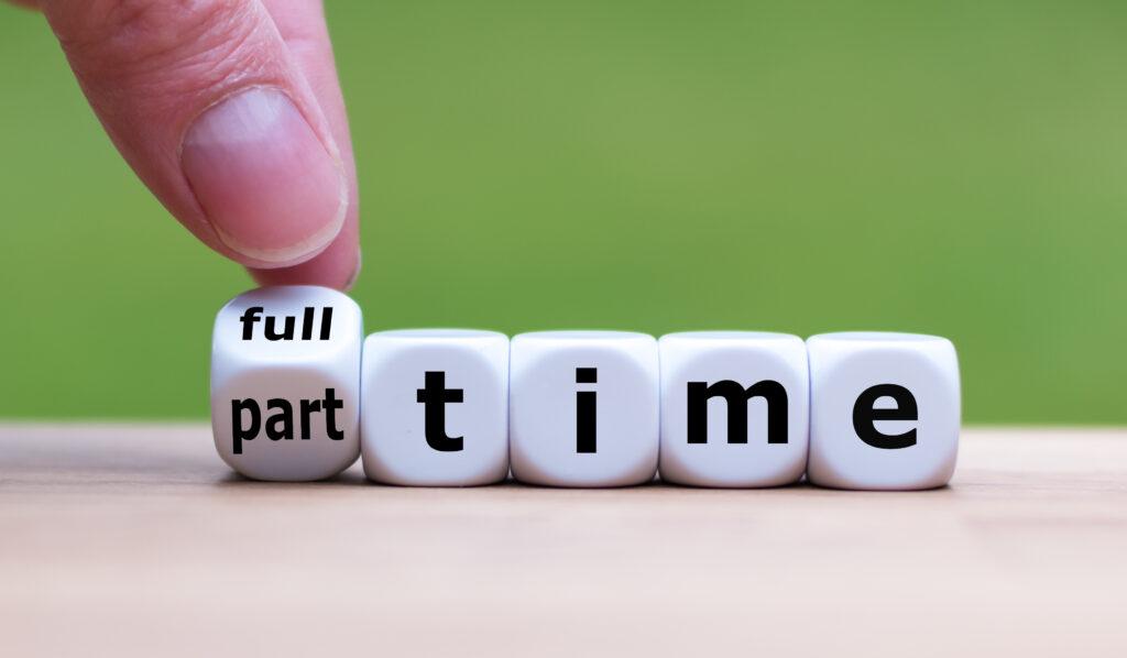 Brückenzeit, Teilzeit, Vollzeit, Arbeitgeber, Arbeitnehmer, Mitarbeiter, Job, Antrag, Gesetz
