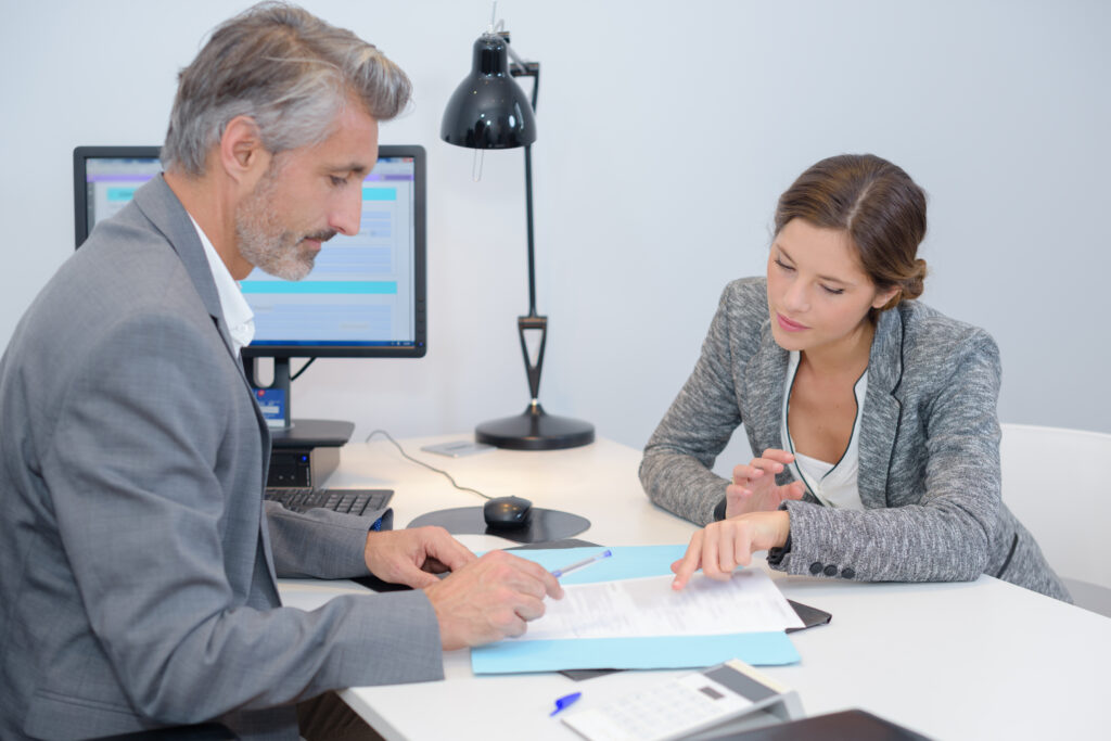 Interim Manager, Unternehmensberater, Aufgaben, Tätigkeiten, Unterschiede, Unterschied, Unternehmen, Arbeit, Job, Ttigkeit, Aufgabe, Mitarbeiter, Arbeitnehmer. Arbeitgeber, Vorgesetzte
