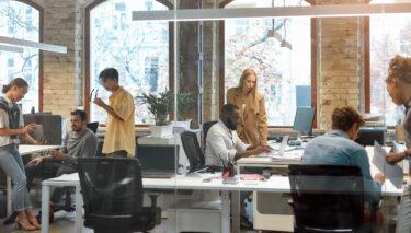 Arbeitsalltag: 6 Bereiche der Zusammenarbeit und wie sie von Arbeitgebern und Mitarbeitern organisiert werden können