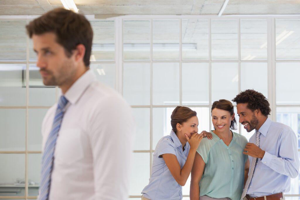 Mobbing, Arbeitsplatz, Unternehmen, Arbeitgeber, Arbeitnehmer, Mitarbeiter, Kollegen, Lästereien, Schikane, Burnout