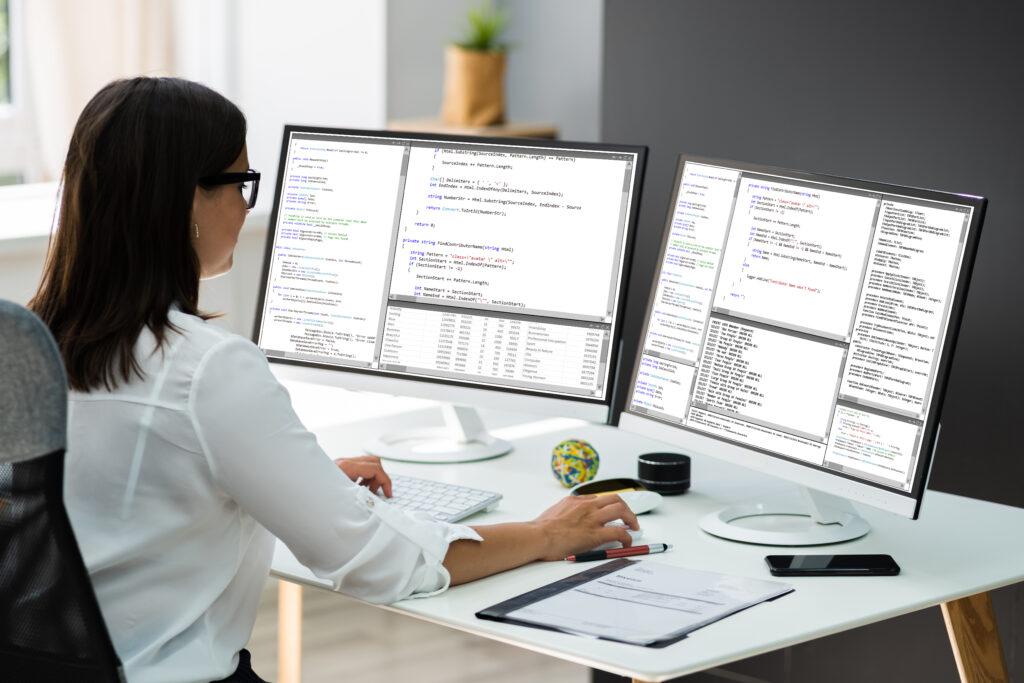 Dienstverhältnis vs. Arbeitsverhältnis: Die Anstellung von Mitarbeitern kann auf verschiedenen Wegen geschehen