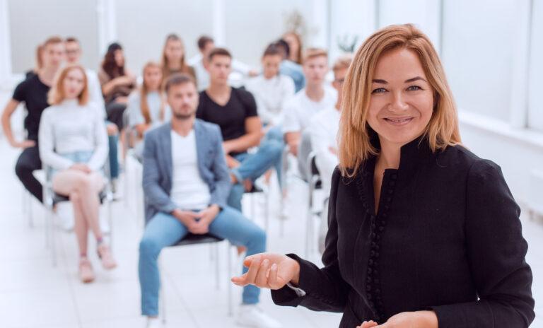Wie Sie als Ausbilder für Ihre Azubis als Vorbild fungieren