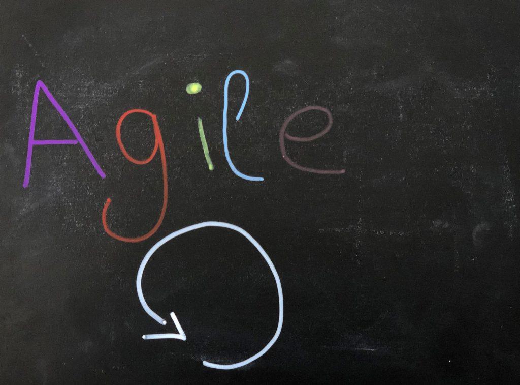 Agiles Arbeiten – Personalabteilung als Bindeglied zwischen Führung und Belegschaft