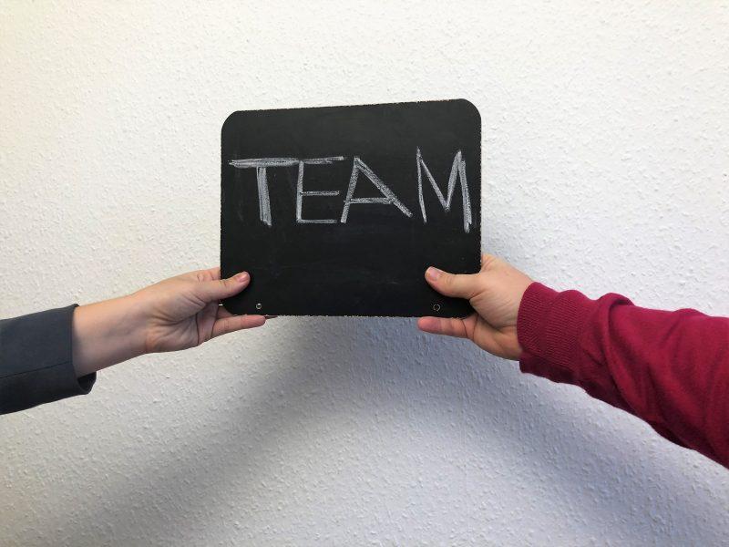 Teamfähigkeit: So fördern Sie die Teamgeist in Ihrem Unternehmen